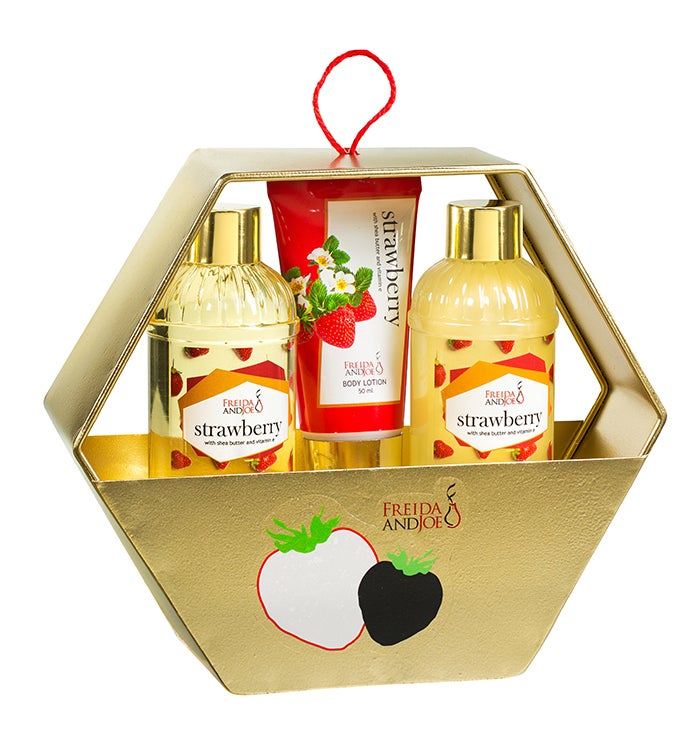 Strawberry Bath And Body Set