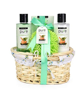 Eucalyptus & Spearmint Essential Oils Wicker Gift Basket